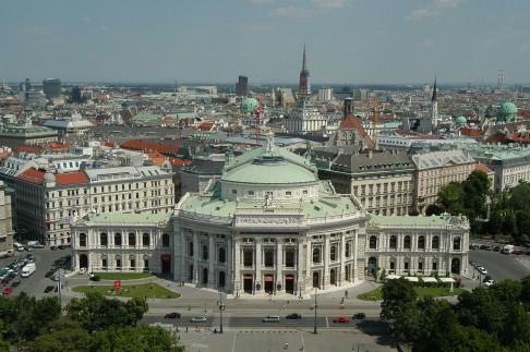 Junge Steuerung für das ehrwürdige Burgtheater Wien
