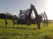 Bosch Rexroth hilft Roboter auf die Beine