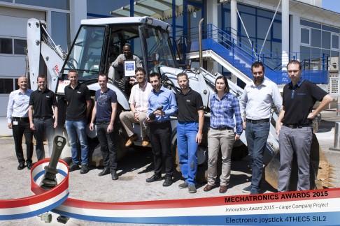 Experten bei Bosch Rexroth in Frankreich freuen sich über den Mechatronik Award 2015 für sicheren Jo