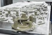 Durch maßgeschneiderte Gusskerne, die mit 3D-Druckern hergestellt werden, reduziert die Bosch Rexrot