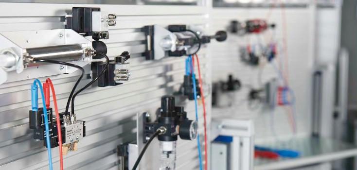 Modulare Arbeitsstation und Pneumatiktrainingssysteme