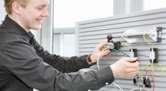 Praxisorientierte modulare Hydrauliktrainingssysteme