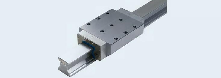 Linearbewegungstechnik mit Rollenschienenführung für spanende Werkzeugmaschinen