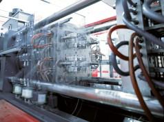 Kunststoff- und Druckgießmaschinen