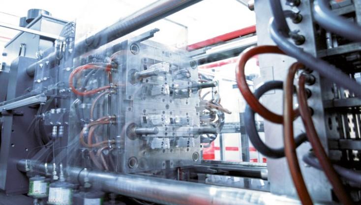 Kunststoff- und Druckgiessmaschinen