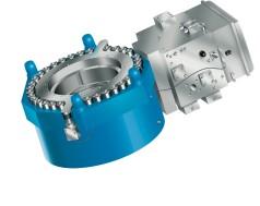 Großer Hydraulikzylinder mit automatischer Spurregelung
