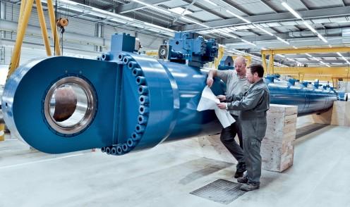 Großer hydraulischer Marinezylinder