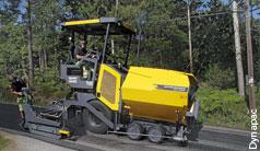 Effiziente Hydraulik für kompakten Straßenfertiger